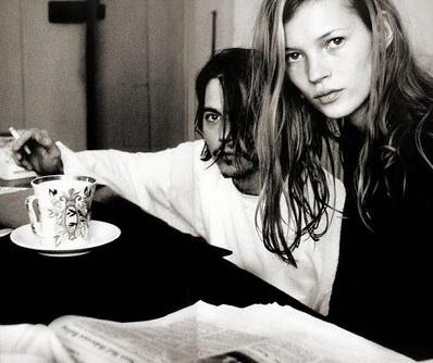 Johnny Depp y Kate Moss viviendo el grunge a plenitud en los 90's